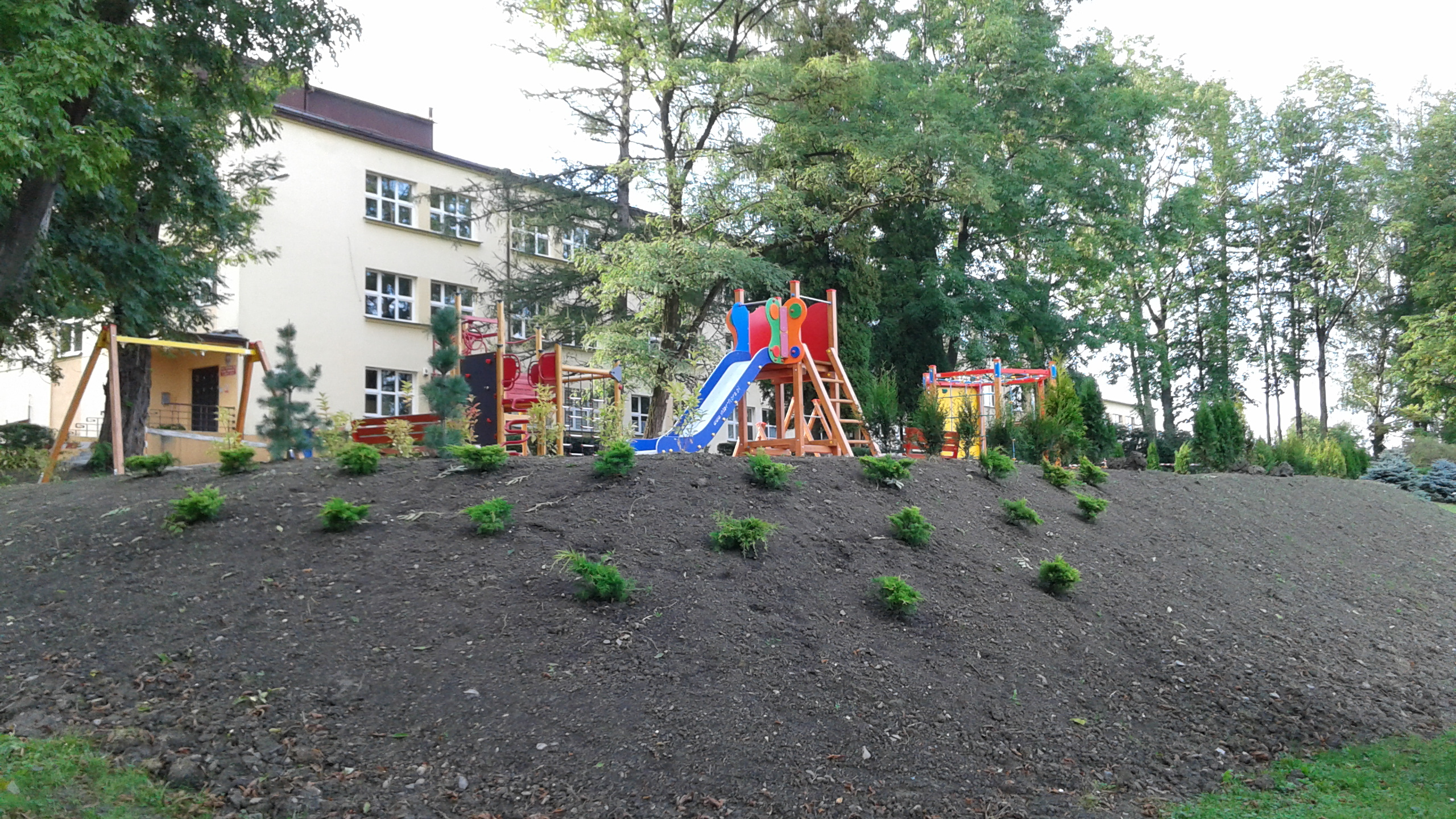 plac zabaw zrealizowany pod nadzorem inwestorskim firmy Tobud - ujęcie 2